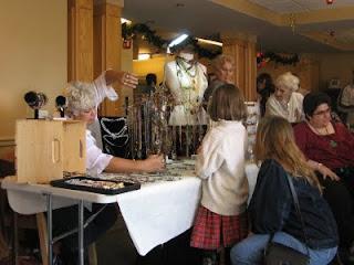 Gahooletree and SassyDLite handmade jewelry by Anna Lee Husband of Oracle Gem Designs on exhibit at ThortonView Christmas Bazaar Oshawa
