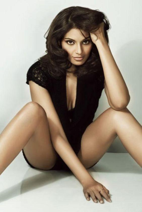 Bipasa Basu Without clothes Photos | Bollygana.com Bollywood Pictures ...