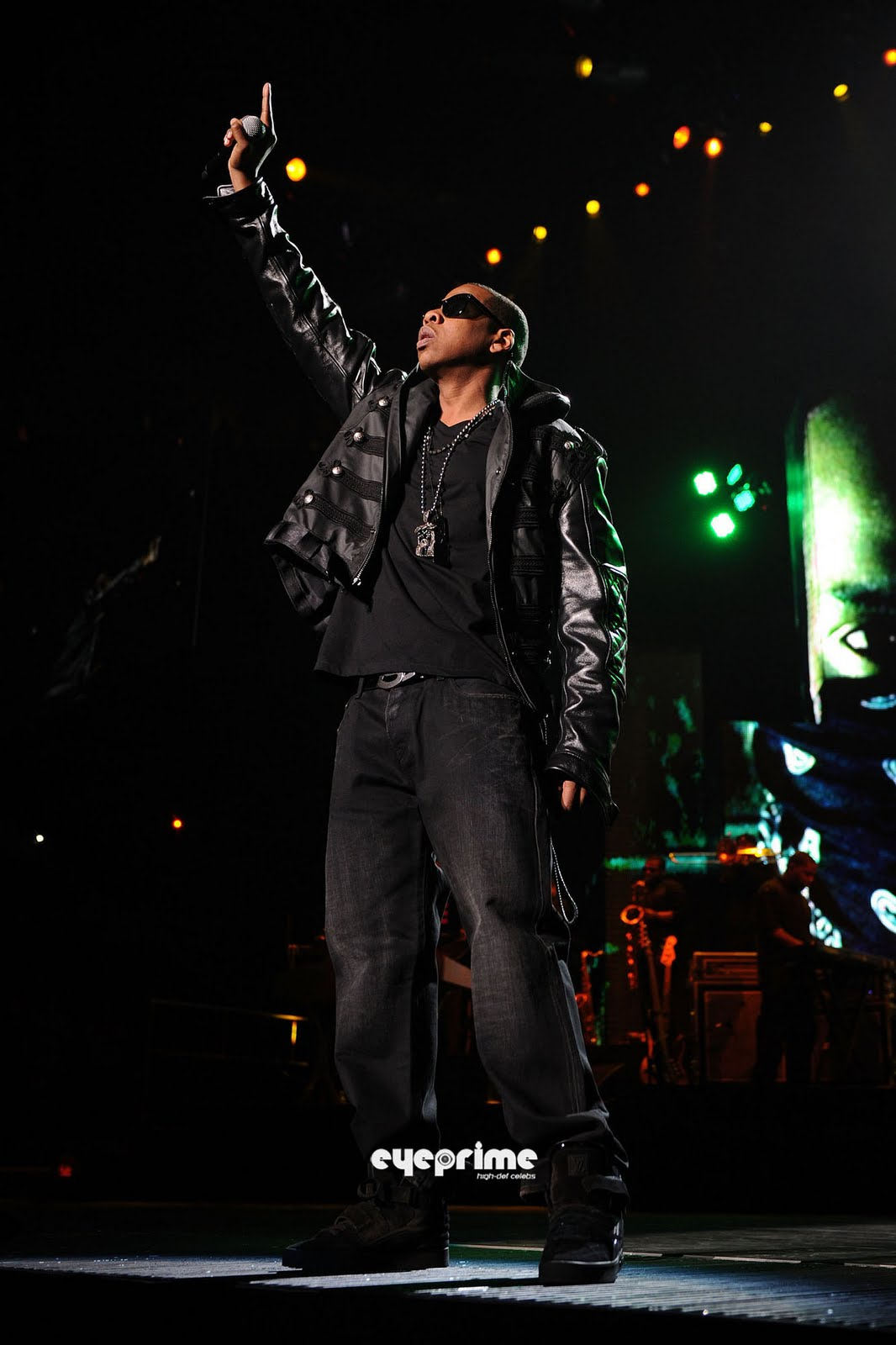 http://4.bp.blogspot.com/_6A8j2EQmANk/S8biVfJihII/AAAAAAAABco/gBAeNkKJbhQ/s1600/Jay-Z3.jpg