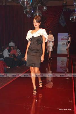 Anusha Dandekar Hot photo