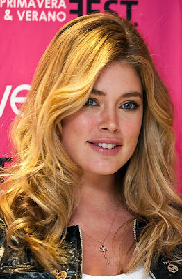 Doutzen Kroes Hot Photo