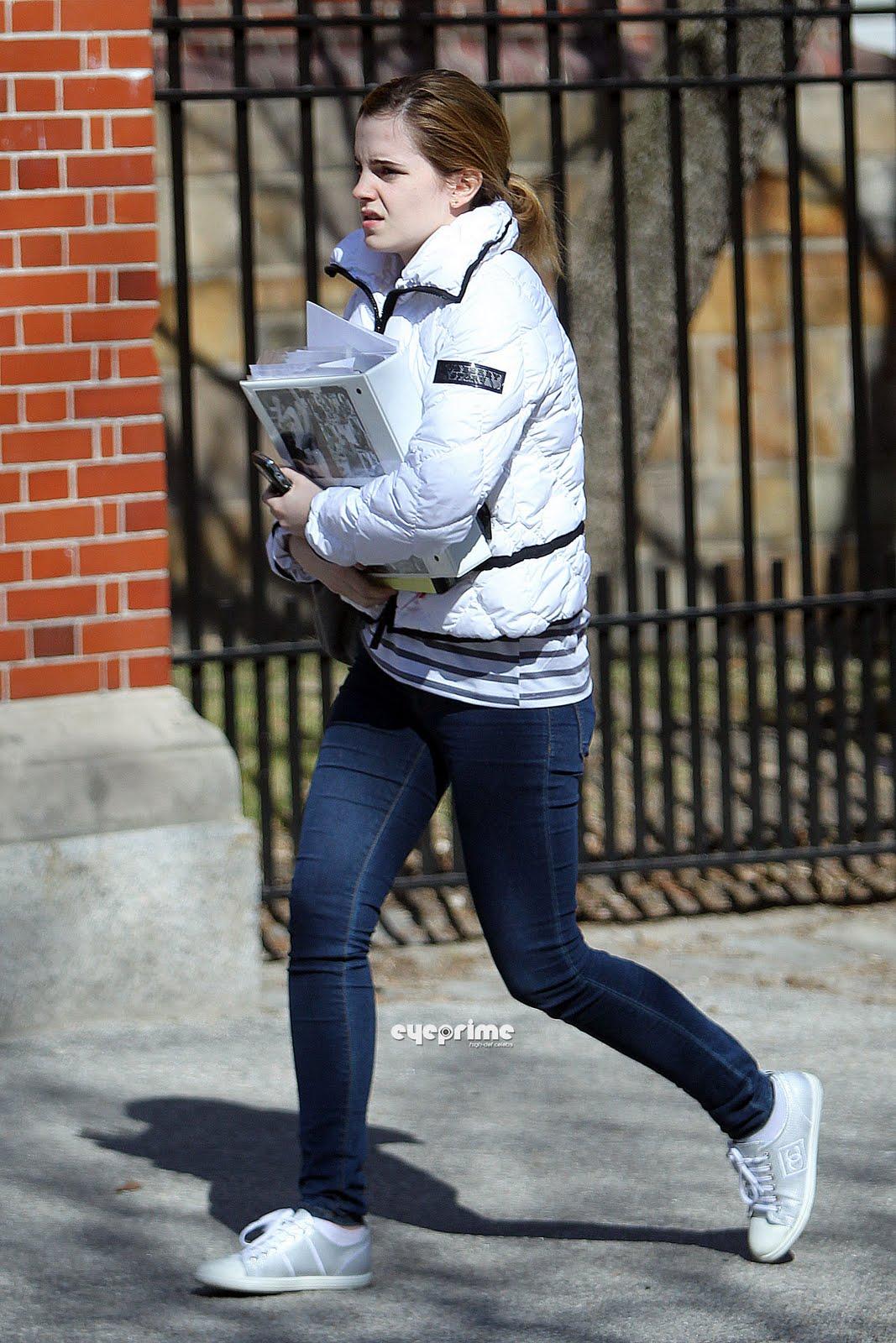 http://4.bp.blogspot.com/_6A8j2EQmANk/S8mdiKwY9RI/AAAAAAAACIc/KImL0U17ZDw/s1600/Emma+Watson6.jpg