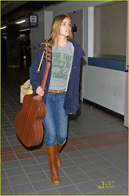 Isabel Lucas Hot Photo