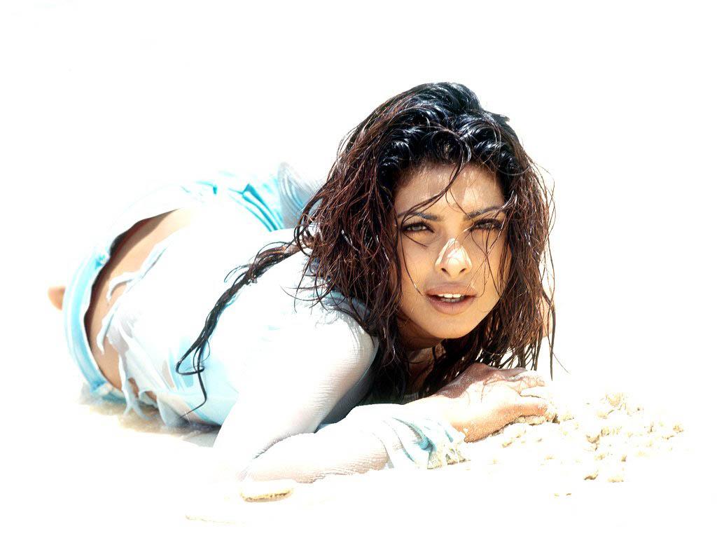 Priyanka Chopras hot photos Pics Priyanka Chopras hot
