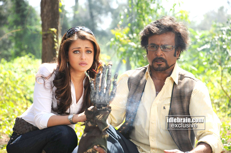 Rajnikanth & Aishwarya Rai Robo Movie Wallpapers