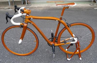 Nice Mahagony Bicycle Wallpaper