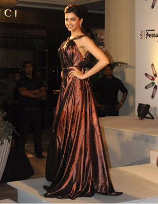 deepika padukone attend in the launch of my ferragamo collection 2010