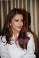 Aishwarya Rai Bachchan meet @ Robot press