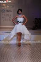 Sonakshi Sinha looking hot in white short dress on ramp
