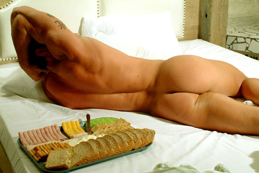[Food_1_Male+nude.jpg]
