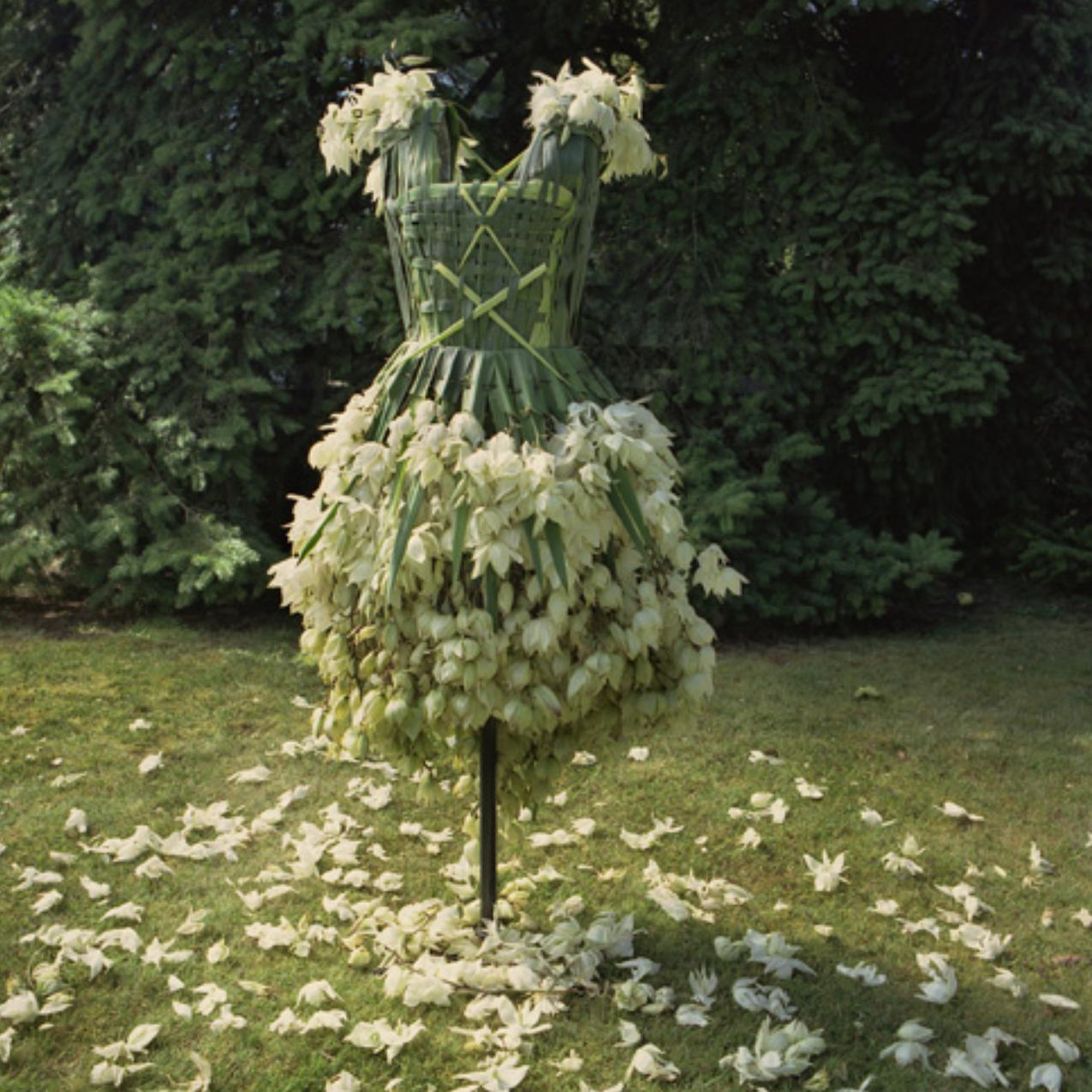 [The+Villa_4_flower+dress.jpg]