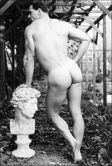 [Statues_1_Vintage+male.jpg]