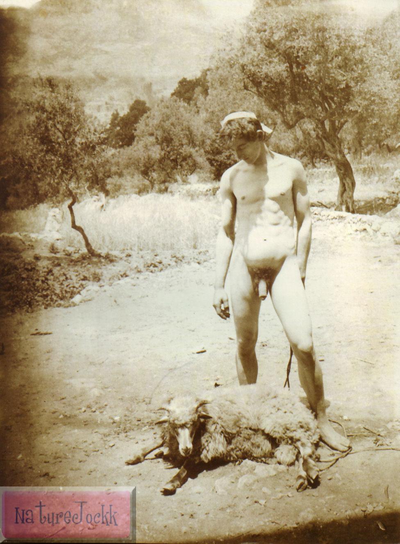 [Gloeden,_Wilhelm_von_(1856-1931)_-_n._1544_-_da_-_Amore_e_arte,_p._74.jpg]