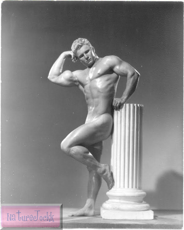 [Nude+male+with+statue_3pg.jpg]