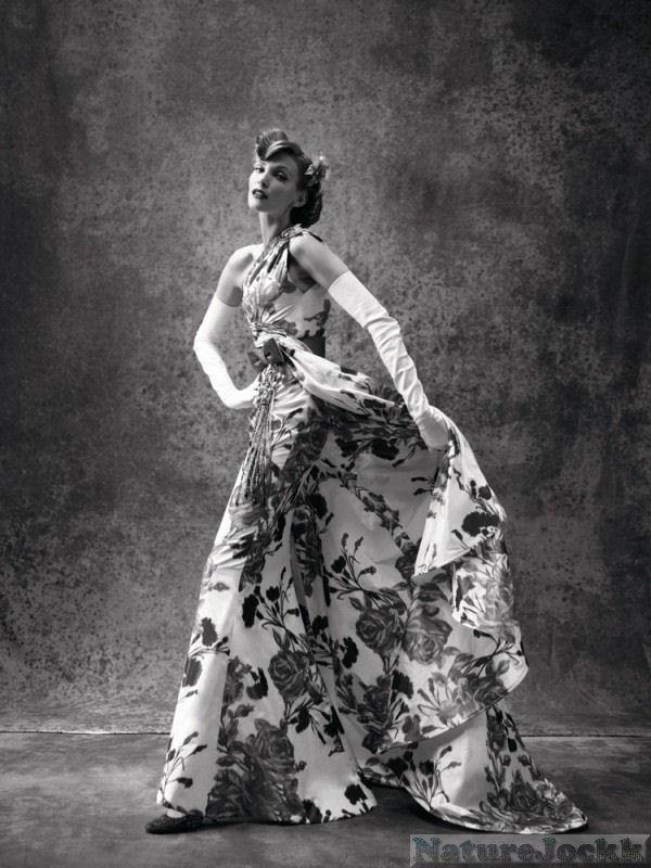 http://4.bp.blogspot.com/_6ANko4sjweM/SxPozBNuZZI/AAAAAAAAXIg/iRNBBMbZWM8/s1600/Avant+Garde+female_1_Dresses.jpg