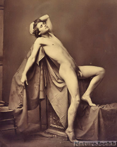http://4.bp.blogspot.com/_6ANko4sjweM/SxPtMVnFZPI/AAAAAAAAXLw/D8MxTosQxUY/s1600/Vintage+Male+Nude_3_Gaudenzio+Marconi.jpg
