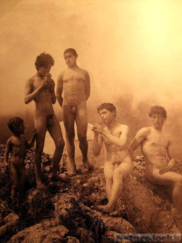 [Vintage+male+Nude_4.jpg]