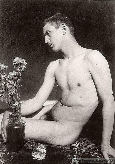 [Vintage+male+Nude_5.jpg]