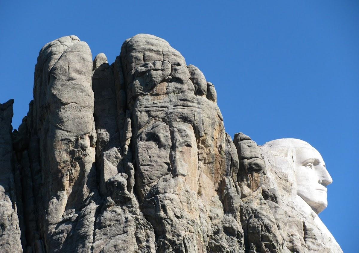 http://4.bp.blogspot.com/_6CgtTL8OqXs/TMxZslcH7hI/AAAAAAAAAok/wbp-ResH0zo/s1200/Mt+Rushmore-Washington.jpg