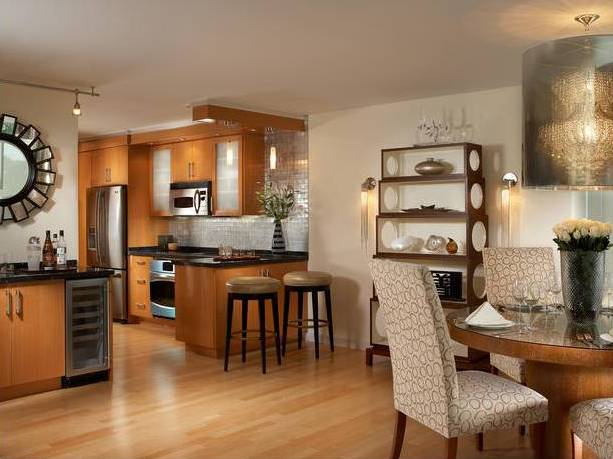 I Love This Kitchen Eating Area Too I Usually Prefer A Darker Wood But I Really Love The Look Of This Cabinetry And All The Accents