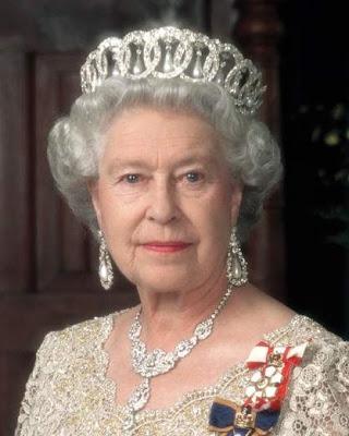 queen elizabeth ii crown. Britain#39;s Queen Elizabeth II