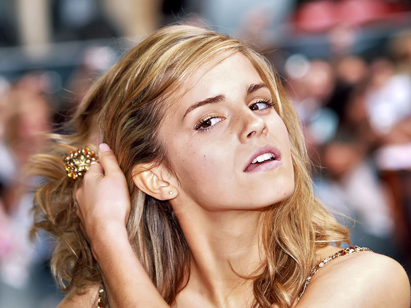 Yum Emma watson gallery is rockinggg again.