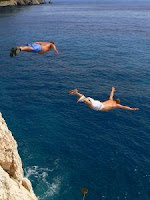 cliff jumping by benipop at http://www.sxc.hu/profile/benipop