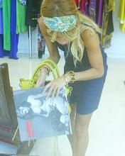 viviria en el shopping comprando u.u