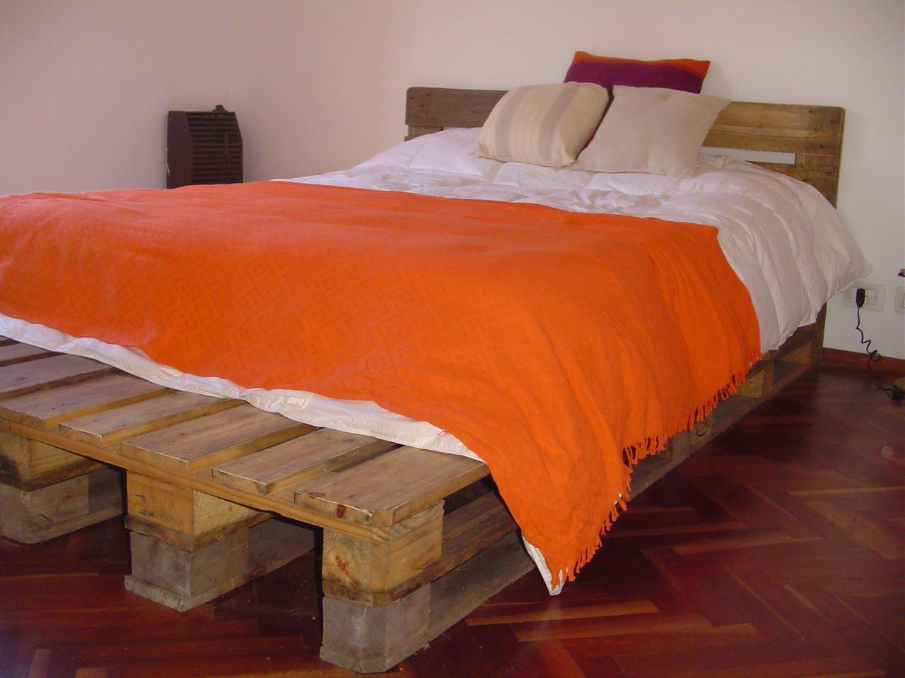 Tapa carpintero camas for Bases de cama hechas con tarimas