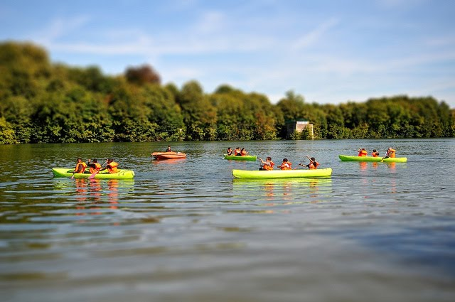 Evry Daily Photo - Canoe sur bords de seine Evry - Journee du Patrimoine - Tilt Shift