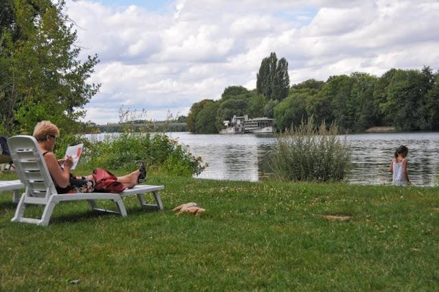 Evry Daily Photo - Calendrier Evry 2011 - Calendar Evry 2011 - Juillet 2011 - La Fontaine des Droits de l homme - Les bords de Seine