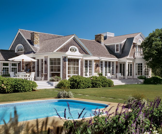 Reckless bliss hamptons shingle style homes for Hampton style house designs
