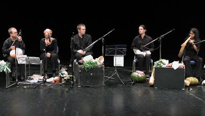 http://4.bp.blogspot.com/_6I27LgG9bck/TMlgzSpOD2I/AAAAAAAATAk/rdoqmMnPKBE/s400/vegetable-orchestra.jpg