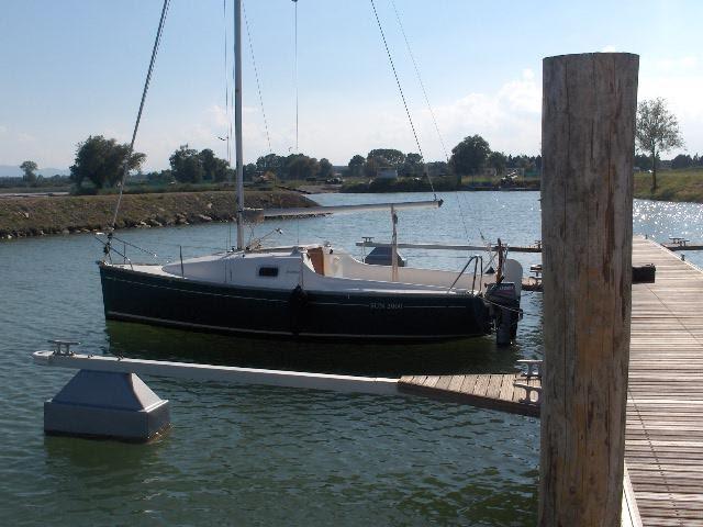 Quanto costa mantenere un piccolo cabinato a vela for Quanto costruire un piccolo garage