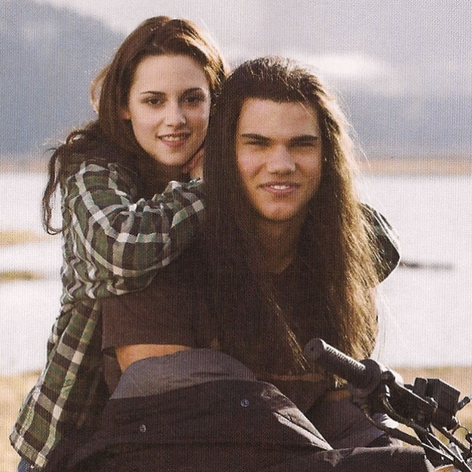 [Bella+and+Big+Nose+on+a+motorcycle.jpg]