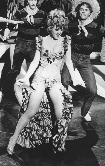 Perfect excuse to post Bernadette Peters pics. 4.bp.blogspot.com