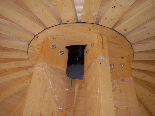 Le chalet tournesol gite dans maison qui tourne la pose des planchers sup r - Conduit cheminee apparent ...