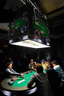 2010 NAPT Mohegan Sun final table, photo by Joe Giron