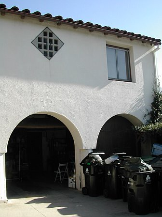 Exterior of the garage before remodeling