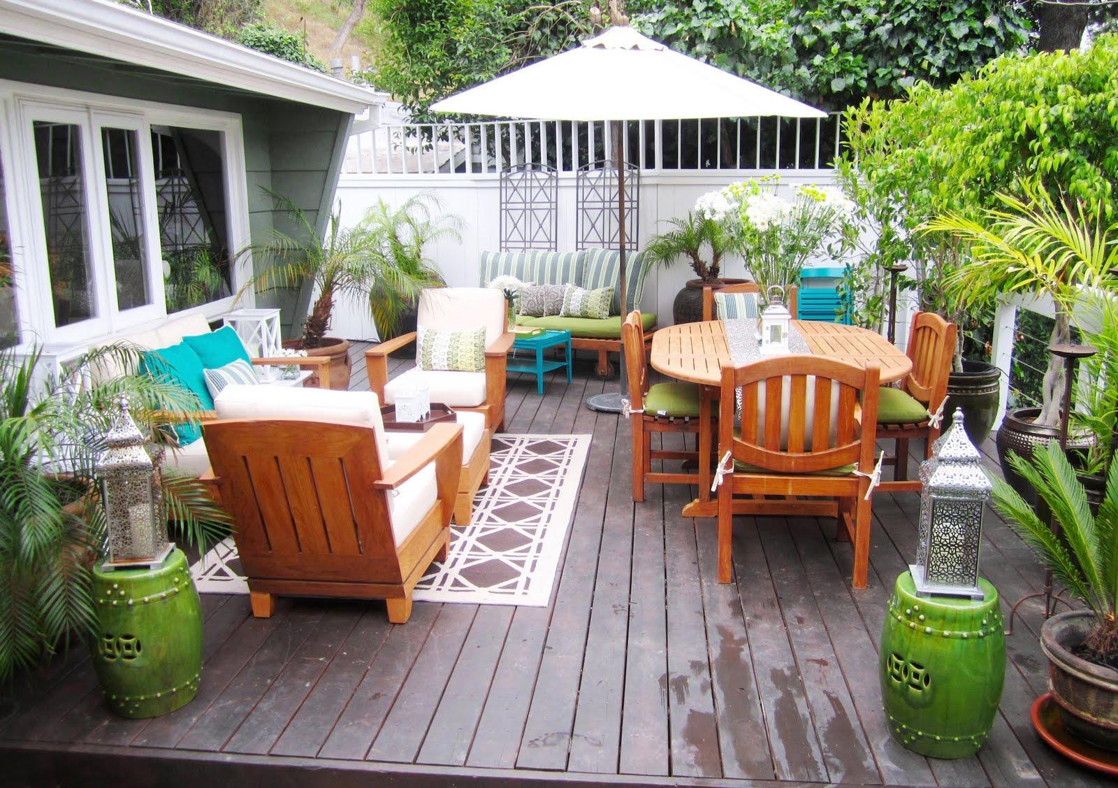 Backyard Beauty; Deck Makeover Galore! Guest
