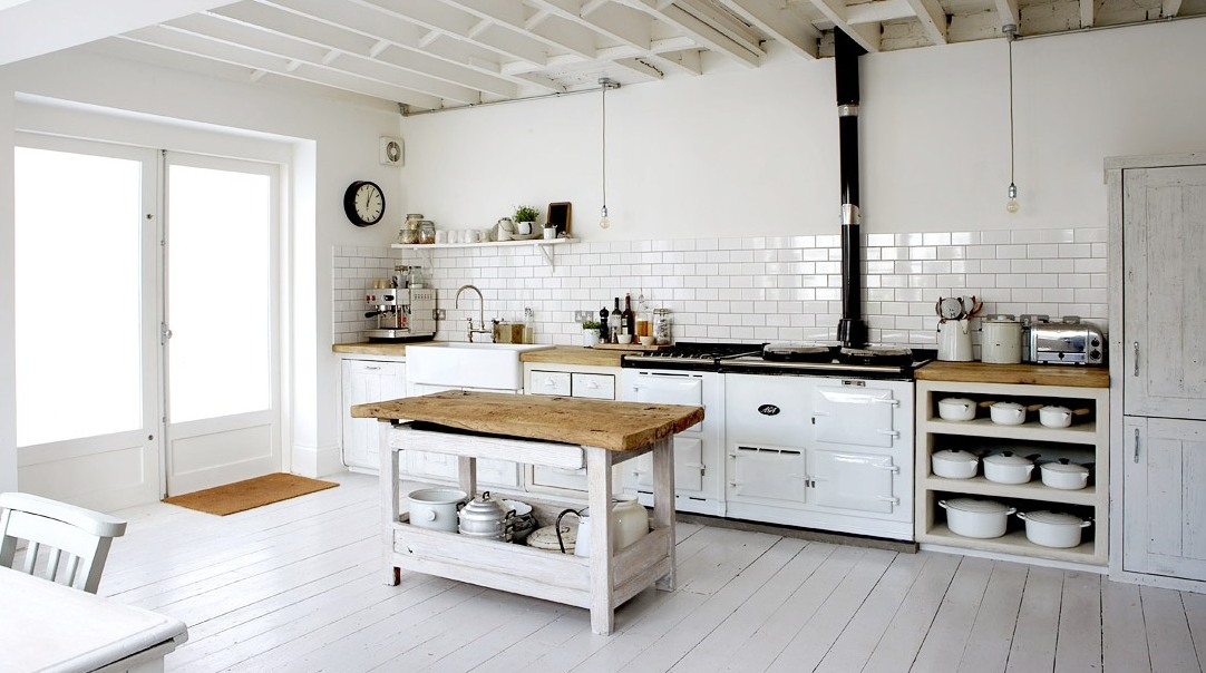 COCOCOZY: MODERN COUNTRY - SHABBY MEETS CHIC IN A WHITE RUSTIC