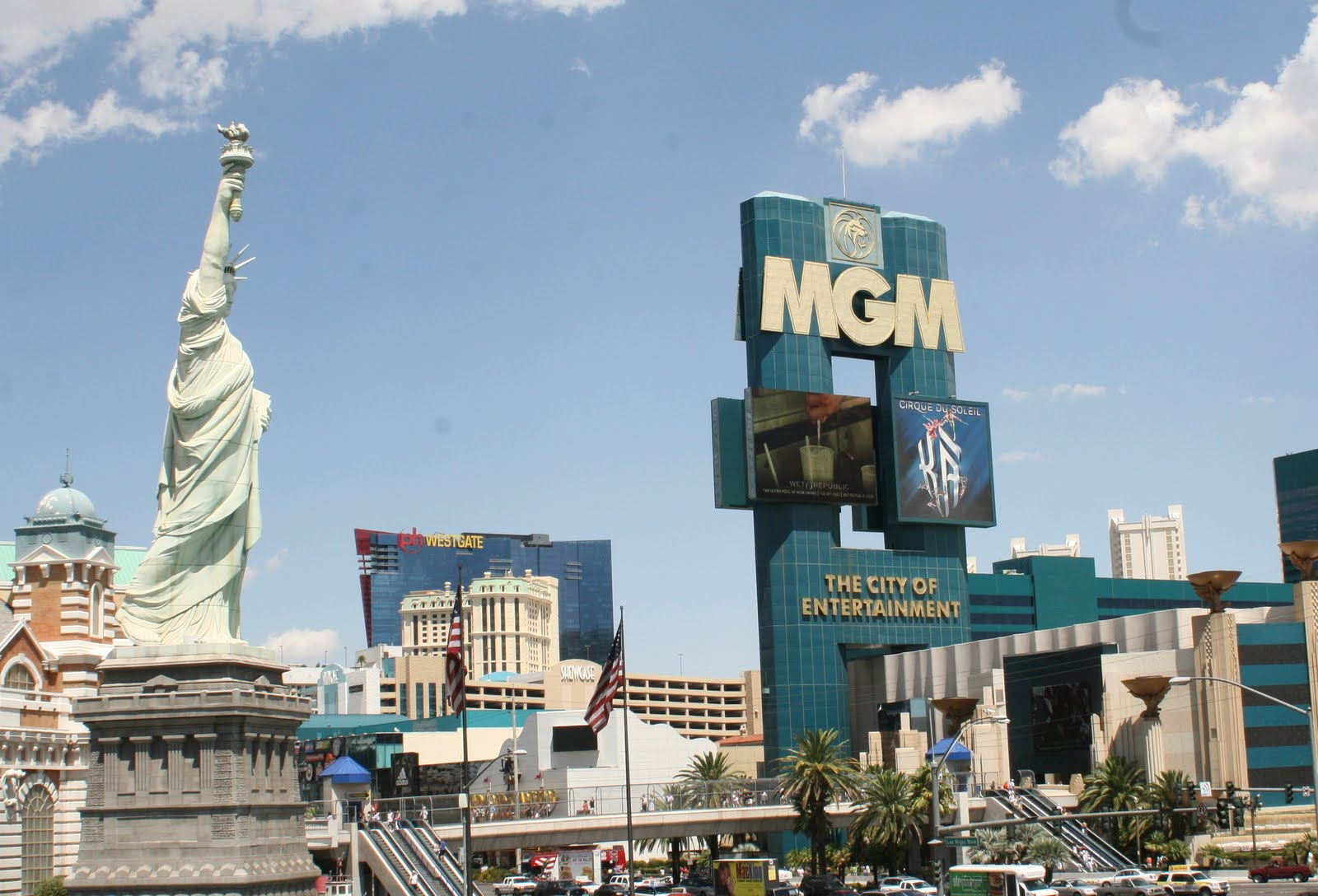 All in the life of me, budgie and friends: The Strip, Las Vegas - hotels
