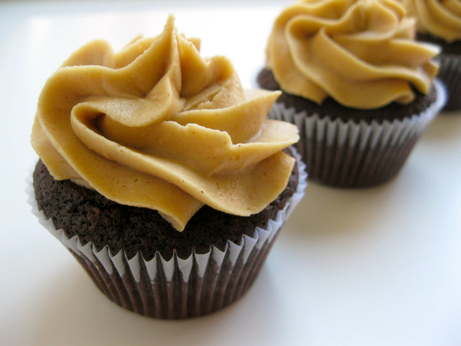 Chocolate Peanut Butter Cup Cupcakes Recipe — Dishmaps