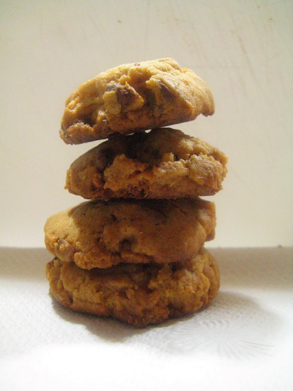 Bitchin' Kitchen: Peanut Butter Toffee Cookies