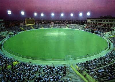 http://4.bp.blogspot.com/_6UWD0BIO344/S3zCr-RWIrI/AAAAAAAAA1g/hQXPUU2T-wA/s400/chinnaswamy-stadium-bangalore.jpg