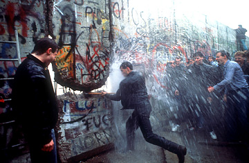 Tearing Down The Berlin Wall http://herollercoaster.blogspot.com/2010/11/11-09-1989.html