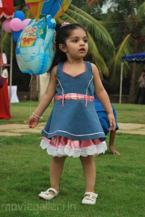 anoushka ajith latest photos