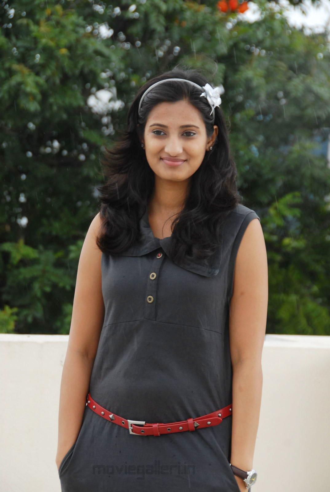 Soumya Tv Anchor Stills Telugu Tv Anchor Soumya Photo