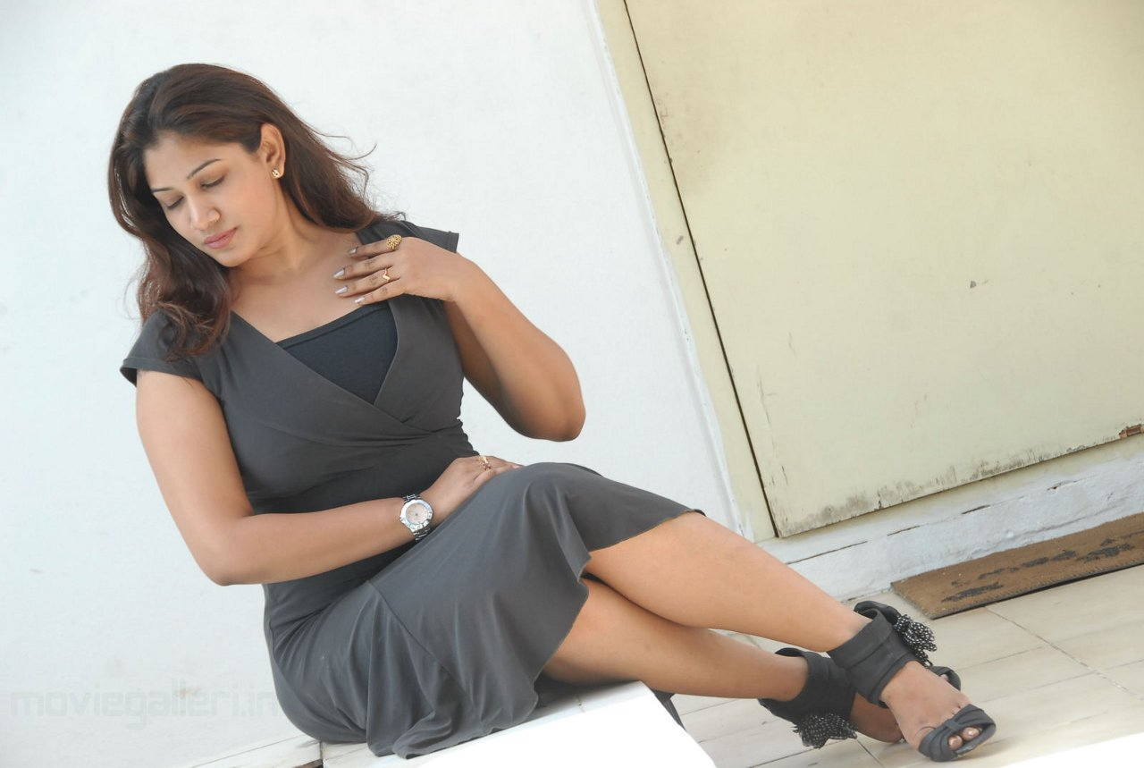 http://4.bp.blogspot.com/_6Vr9b9OoZno/TPXWilhf0GI/AAAAAAAAFuo/_e3Q--0y0z4/s1600/actress_kalpana_chowdary_hot_wallpapers_06.JPG