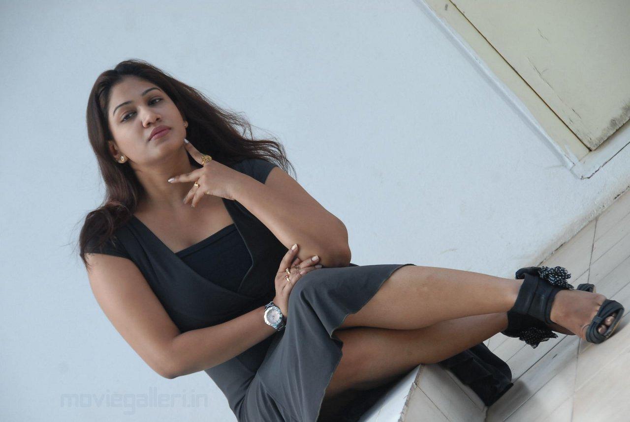 Actress Kalpana Chowdary Hot Wallpapers 07 Vandana Menon Unseen Photos
